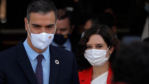 Pedro Sánchez e Isabel Díaz