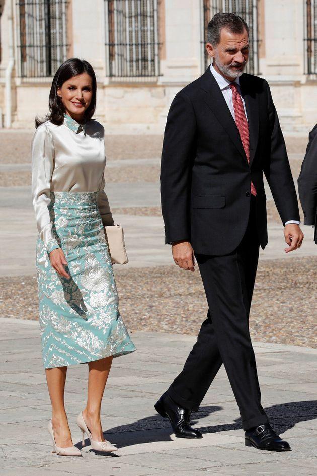 Letizia y Felipe VI acuden al almuerzo en el Palacio Real de Aranjuez con los patronos del Instituto Cervantes en octubre de 2019.