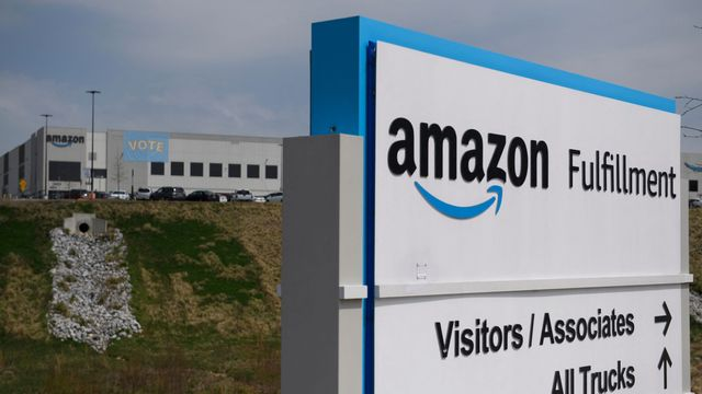 Union Loses Pivotal Election At Amazon Warehouse In Alabama.jpg