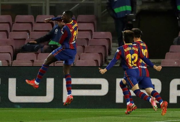 Dembélé celebra su gol, que da la victoria al Barcelona frente al