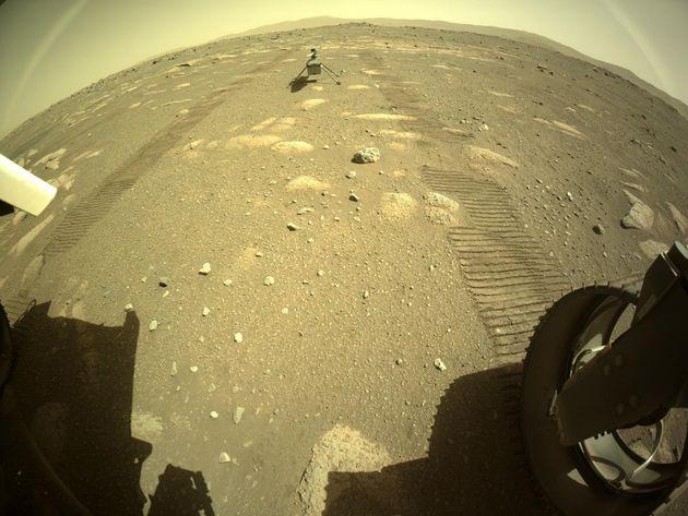 火星で4月4日に撮影された「虹のようなもの」(NASA公式サイトより)