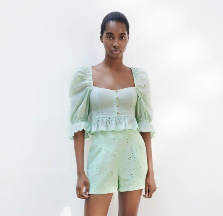 Blusa de Zara.