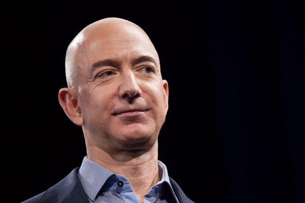 Classifica Forbes, il più ricco è Jeff Bezos. Boom di paperoni nel