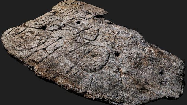 Ο παλαιότερος 3D χάρτης στην Ευρώπη είναι μία εγχάρακτη πλάκα ηλικίας 4000
