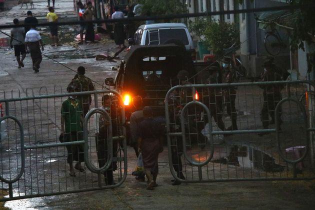 Μιανμάρ: Στρατός στον καταυλισμό αντιφρονούντων της Χούντας - Άνοιξαν πυρ, αναφορές για