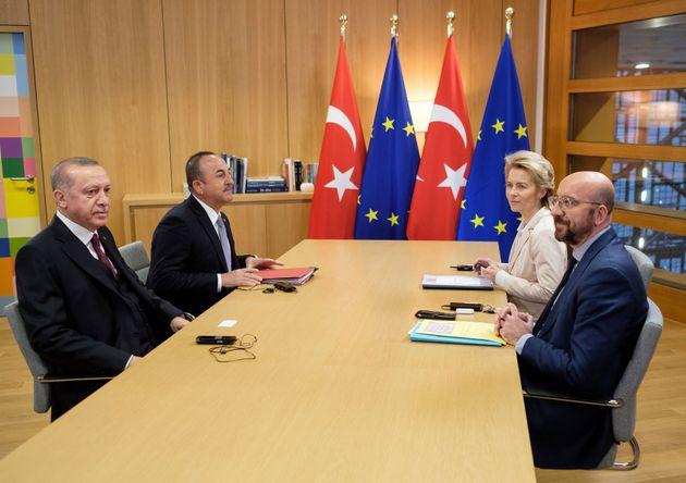 Prove di negoziato tra Ue e Turchia dopo un anno