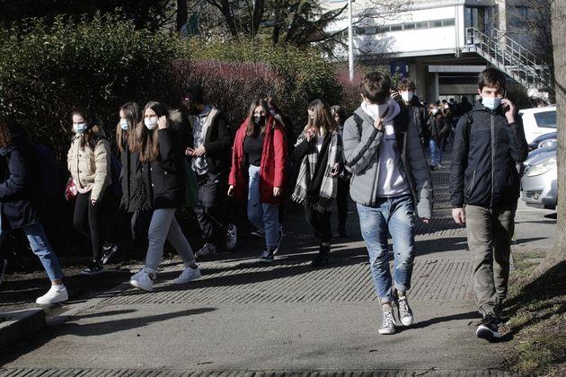 01/02/2020 Mirano, ritorno degli studenti in presenza a scuola al Liceo Statale Ettore