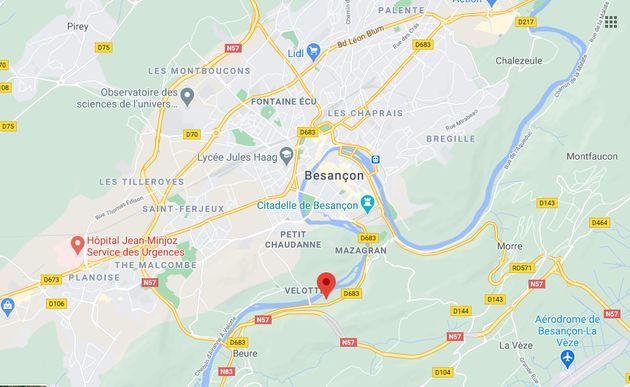 Le parcours des deuxFrancs-Comtois s'est terminé dans les eaux froides du Doubs. Ils ont...