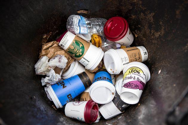 日々多く廃棄される使い捨てカップ