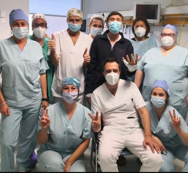 Gianni Morandi e l'equipe del Bufalini di