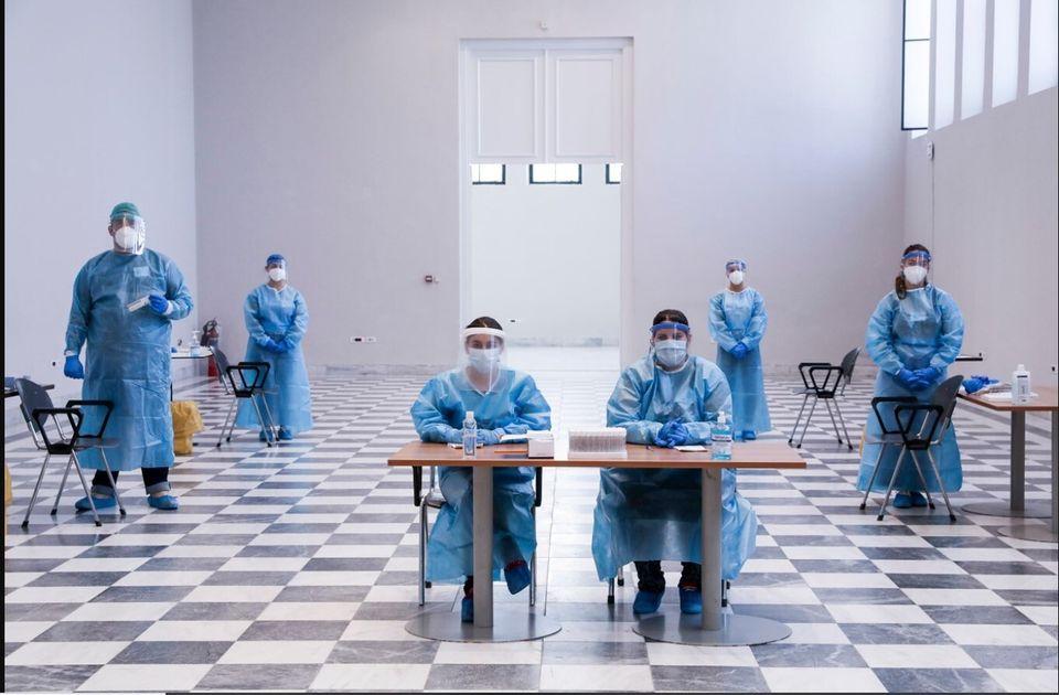 Δειγματοληπτικός έλεγχος για COVID-19 από κλιμάκιο γιατρών εντός του Ζαππείου, Αθήνα, 3 Ιουλίου