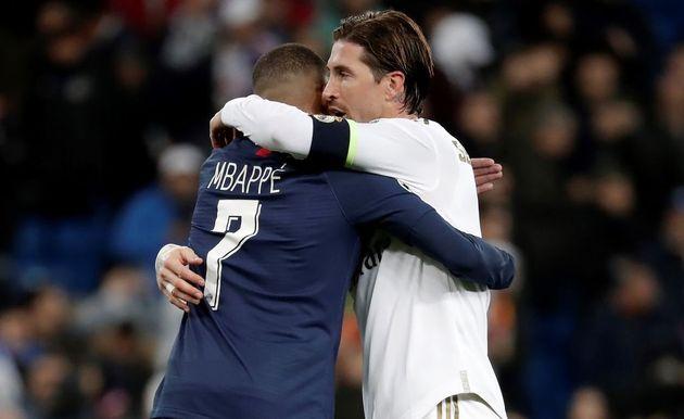Mbappe y Ramos se abrazan tras un
