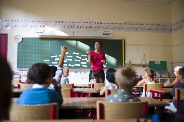 Promise par Macron, la vaccination des enseignants n'est toujours pas programmée (photo