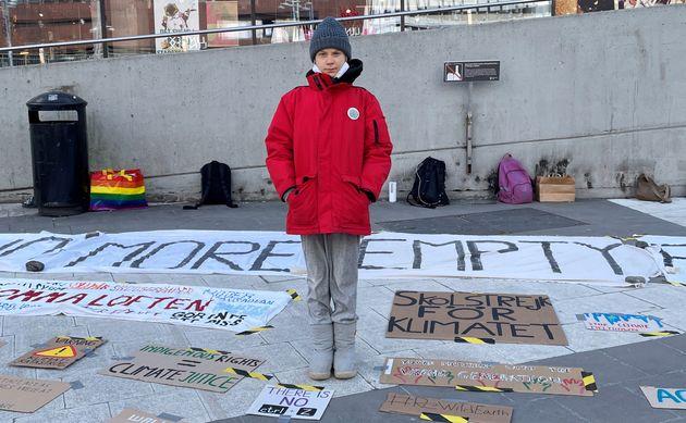 Greta Thunberg (ici lors d'une grève pour le climat en Suède le 19 mars 2021) envisage de boycotter la...