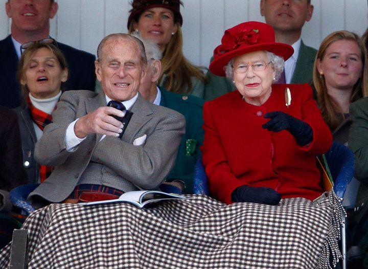 La reina Isabel y Felipe de Edimburgo en un acto público en 2005