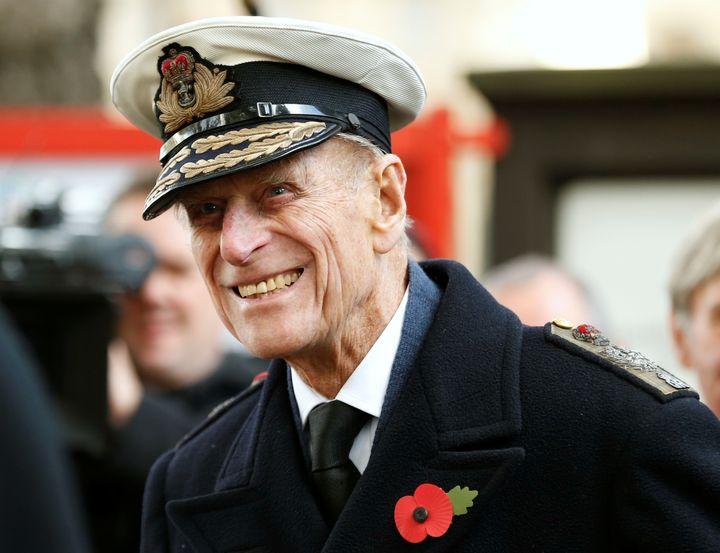 El duque de Edimburgo sonriendo en un acto en la Abadía de Westminster en Londres en noviembre de 2012.