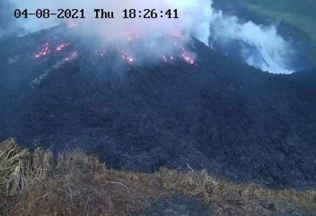 Άγιος Βικέντιος: Εξερράγη το ηφαίστειο Λα