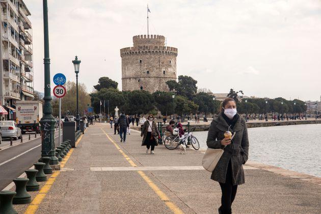 Θεσσαλονίκη: Τάση αποκλιμάκωσης του ιικού φορτίου των