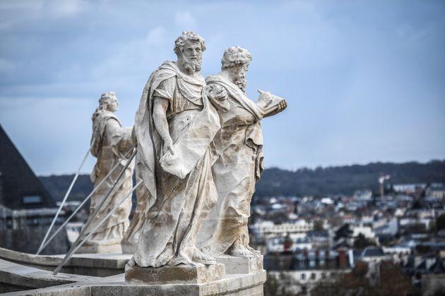 Les statues n'ont pas été remplacées mais seulement restaurées (Image...