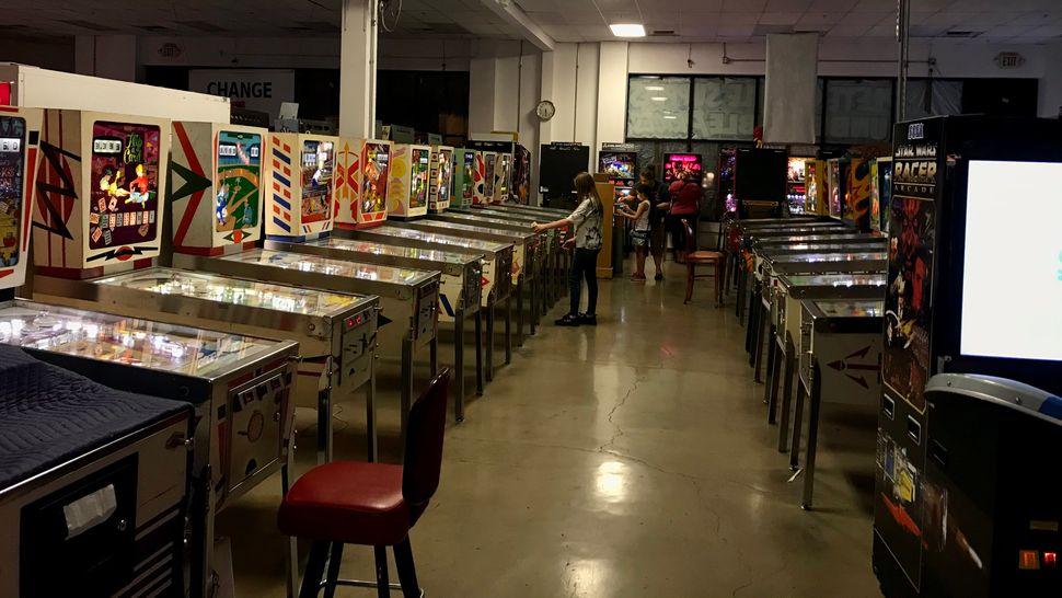 Au Pinball Hall of Fame, le 5 avril