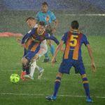 El Madrid gana al Barça (2-1) y duerme líder de la