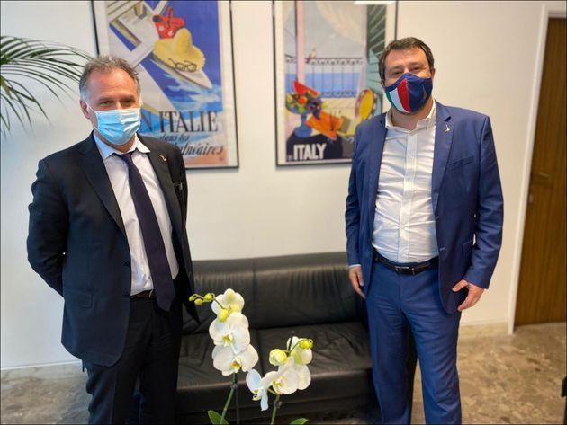 Il leader della Lega Matteo Salvini con il ministro del Turismo, Massimo Garavaglia. +++ TWITTER