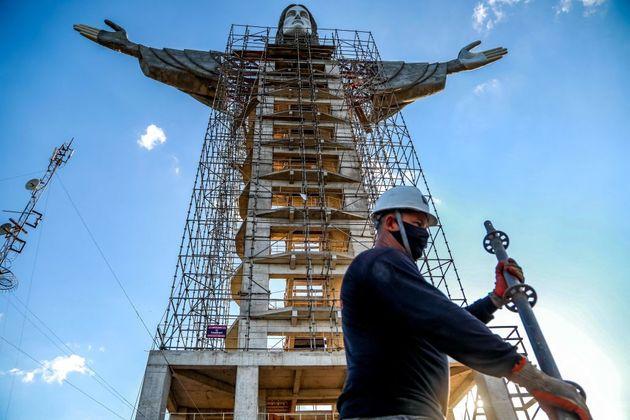 Το νέο άγαλμα του Χριστού Προστάτη