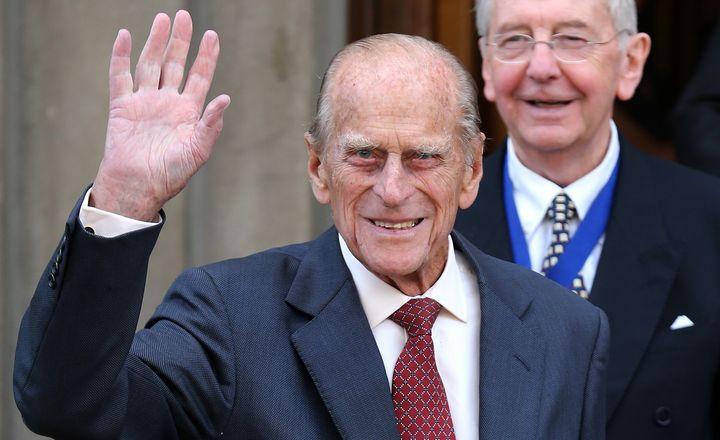 El duque de Edimburgo saludando en un acto en 2013.