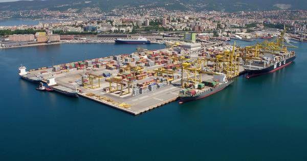 Una nuova politica per i porti, un rilancio della presenza nel