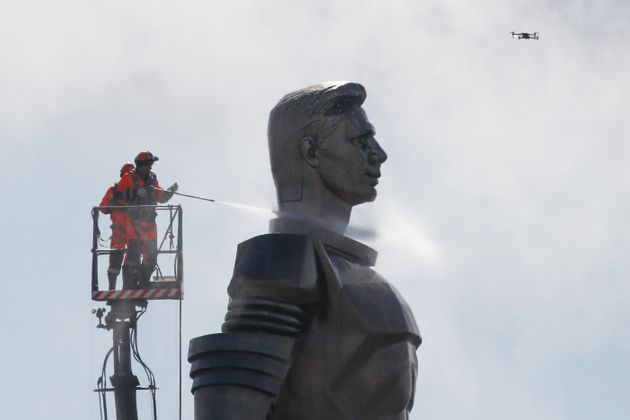 Το τεράστιο άγαλμα του Γκαγκάριν τη Μόσχα