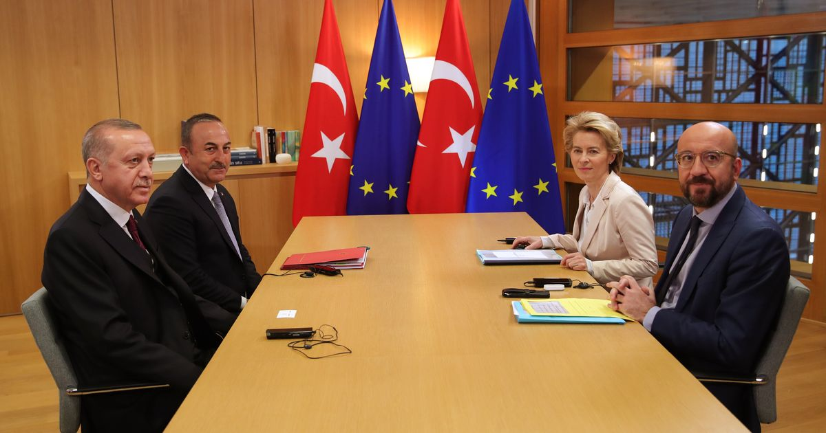 Ci indigna la sedia, non i nostri accordi con Erdogan (di P. Panzeri)