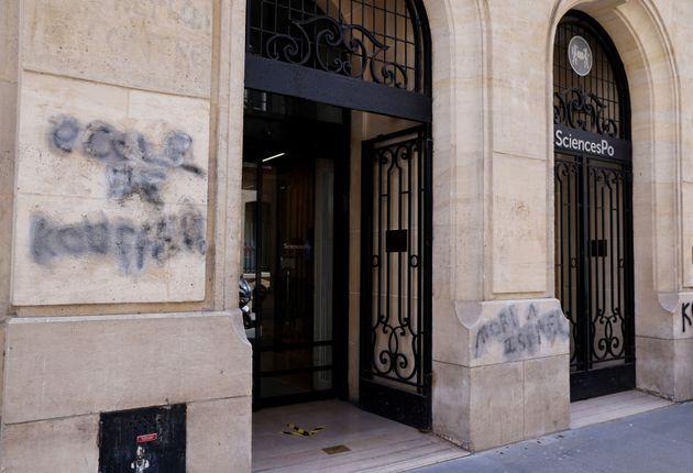 Ce 12 avril, des tags injurieux, dont certains antisémites, ont été découverts sur la façade de Sciences...