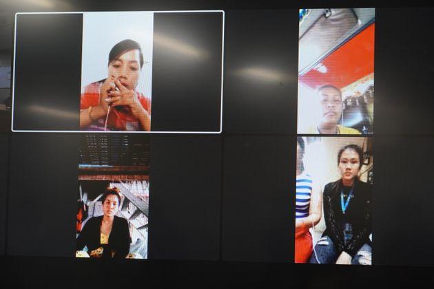 カンボジアからオンラインで記者会見に臨み、帰国を強いられた当時の状況を証言する女性たち