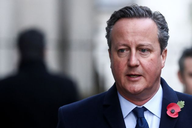 El ex primer ministro británico David