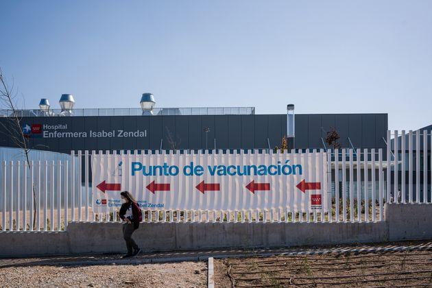 Punto de vacunación en el centro Isabel