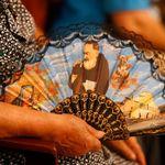 La solitudine di Padre Pio. Deserte le città santuario, resiste solo il cammino