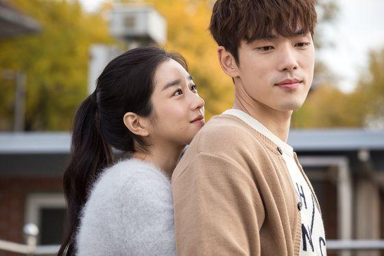 서예지와 김정현은 2019년 3월 31일 개봉한 영화 '기억을 만나다-첫사랑'에서 남녀 주연을