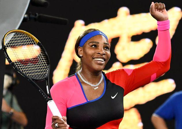 L'Américaine Serena Williams célèbre sa victoire contre la Roumaine Simona Halep...