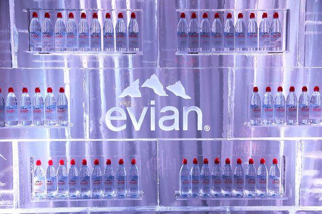 Evian s'excuse pour un tweet le jour du ramadan et se fait encore critiquer (photo