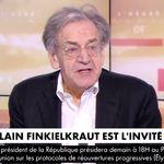 Alain Finkielkraut réalise qu'il est à l'antenne... 5 minutes après le début de