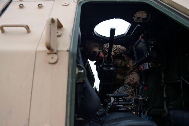 Οι δυνάμεις του ΝΑΤΟ αποχωρούν συντονισμένα με τις ΗΠΑ από το