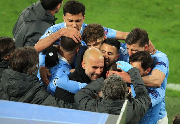 La joie des joueurs de Manchester City après leur deuxième but inscrit contre Dortmund...