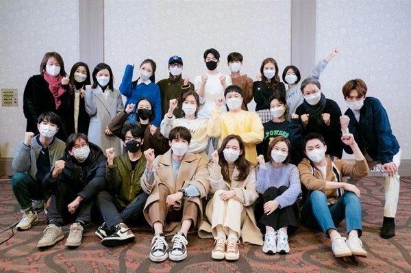 tvN '슬기로운 의사생활 시즌2'의 대본리딩 현장에서 율제병원