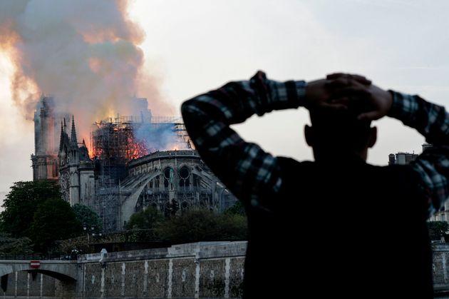 Un devastador incendio afectó a la catedral parisina el 15 de abril de
