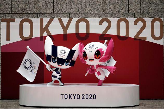 Αποκαλυπτήρια στο Τόκιο για τα αγάλματα των μασκότ των Ολυμπιακών