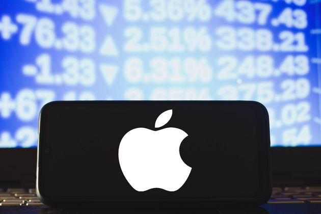 BRAZIL - 2021/04/04: In this photo illustration an Apple logo seen displayed on a smartphone. (Photo...