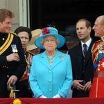 La Regina risparmia l'umiliazione a Harry, il funerale di Filippo sarà senza uniformi