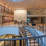 Μια βιβλιοθήκη - κόσμημα από την Μάγιαν Λιν στην