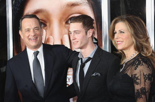 Ο Τσετ με τους διάσημους γονείς του πριν από δέκα χρόνια στην Νέα Υόρκη.