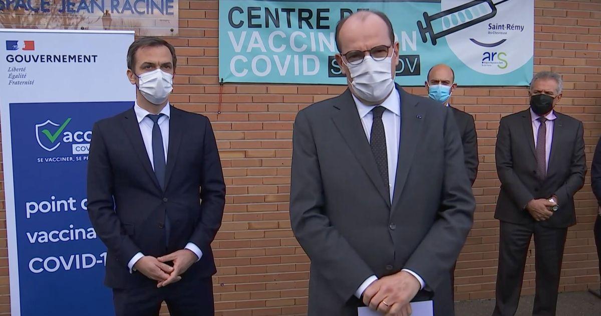 """Castex annonce des """"créneaux dédiés"""" de vaccination pour les profs et les policiers de plus de 55 ans"""
